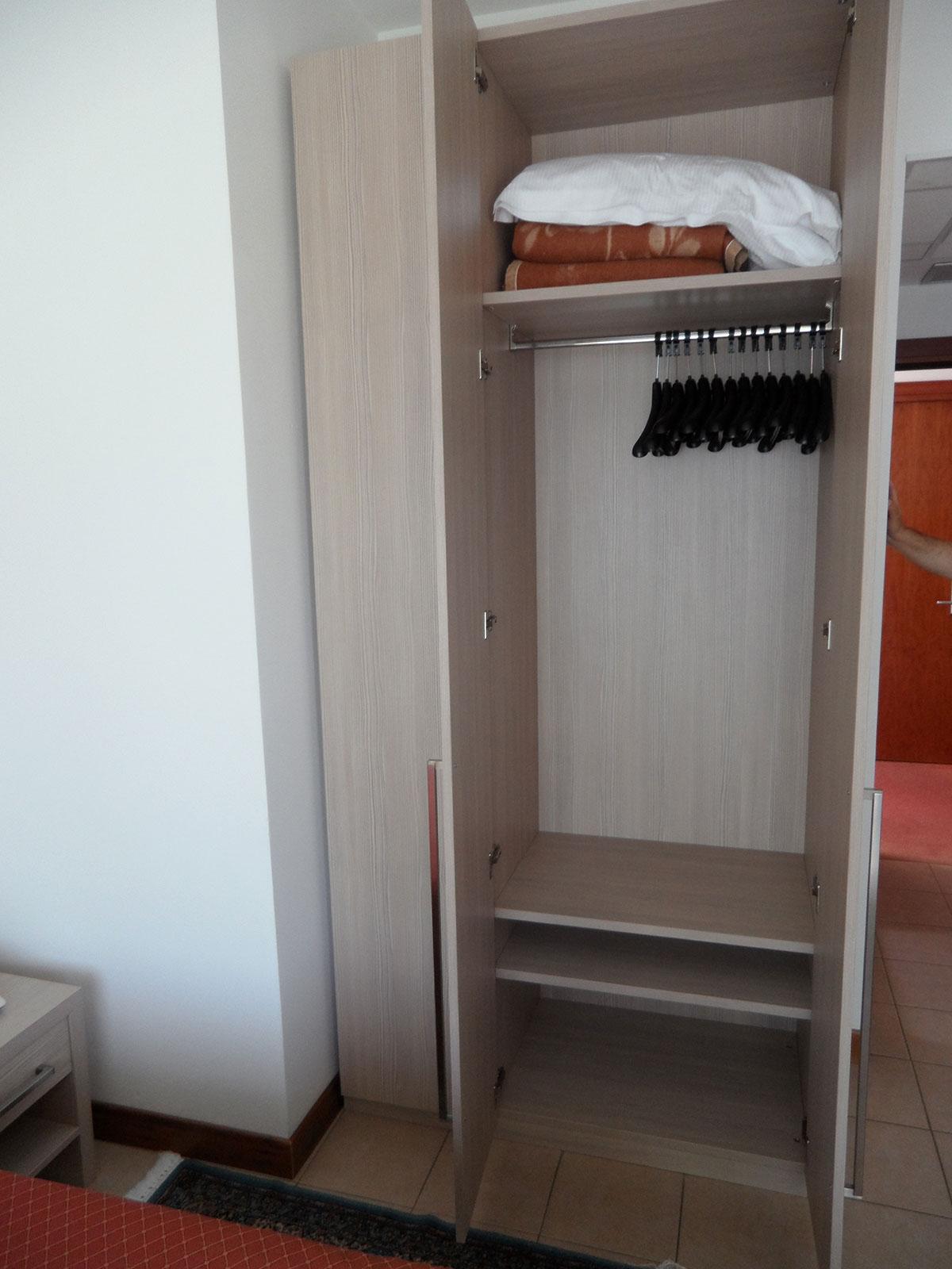 Mobilificioborin passione dedizione ed eccellenza for Hotel meuble moderno laveno